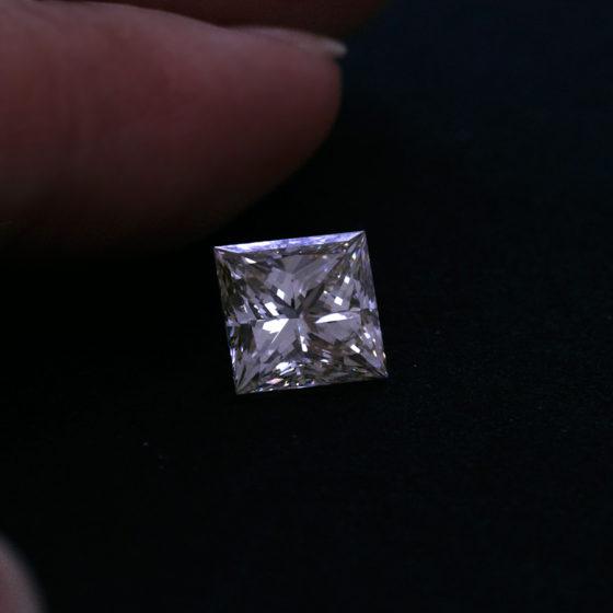 Todos_プリンセスカットダイヤモンド